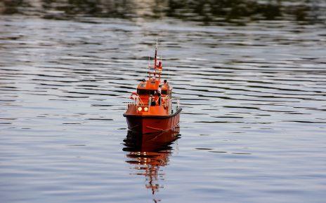 欧盟5国同意分摊接受海上获救450非法移民