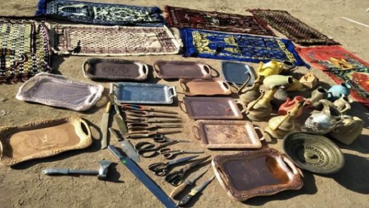 穆斯林被迫丢弃与信仰有关的日用物品