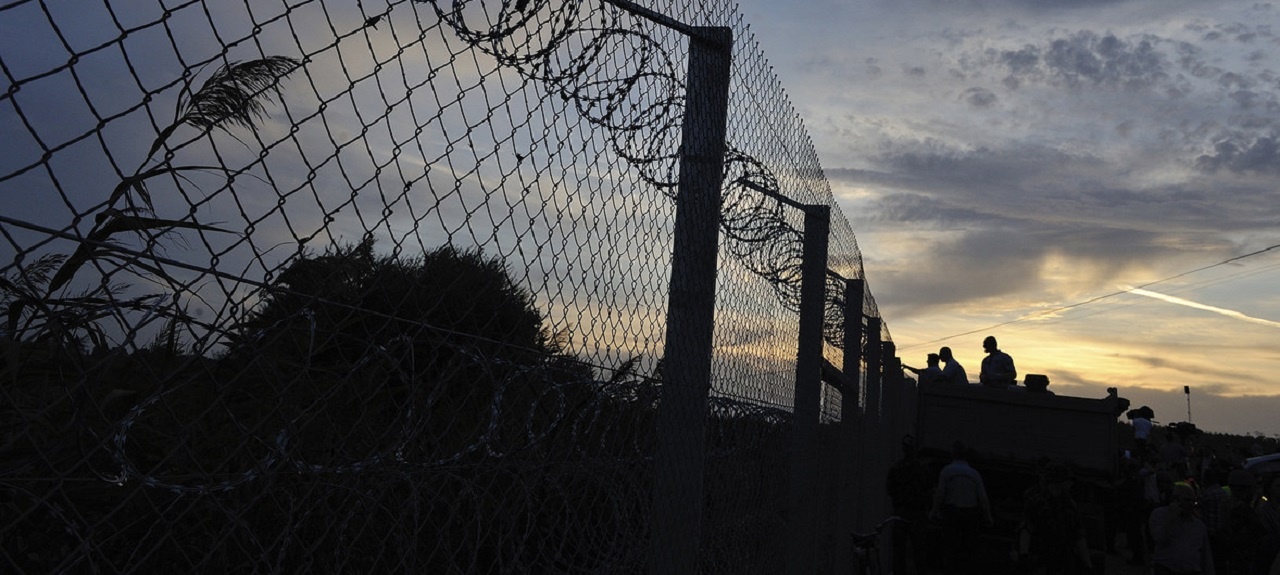 """人权专家:匈牙利政府""""正在煽动针对移民的歧视"""""""