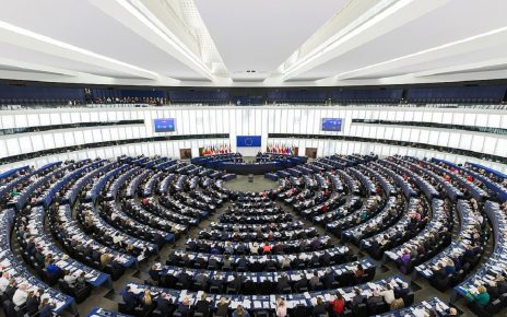 欧洲议会2018年10月4日有关新疆维吾尔自治区大规模任意拘留维吾尔人和哈萨克人问题的决议