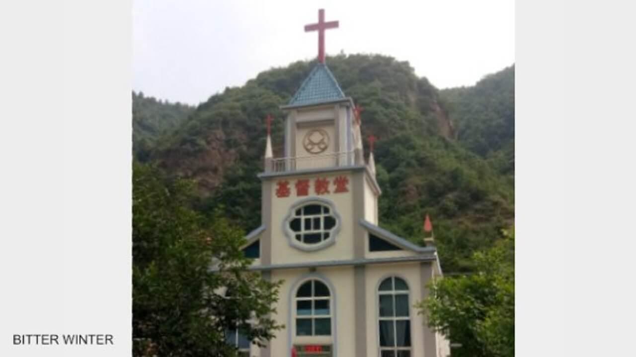 河南600多个十字架被强拆(视频)
