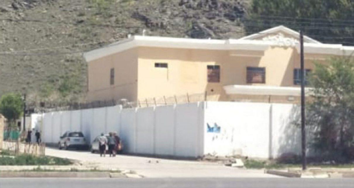 应付国际压力 新疆一教育营又成学校