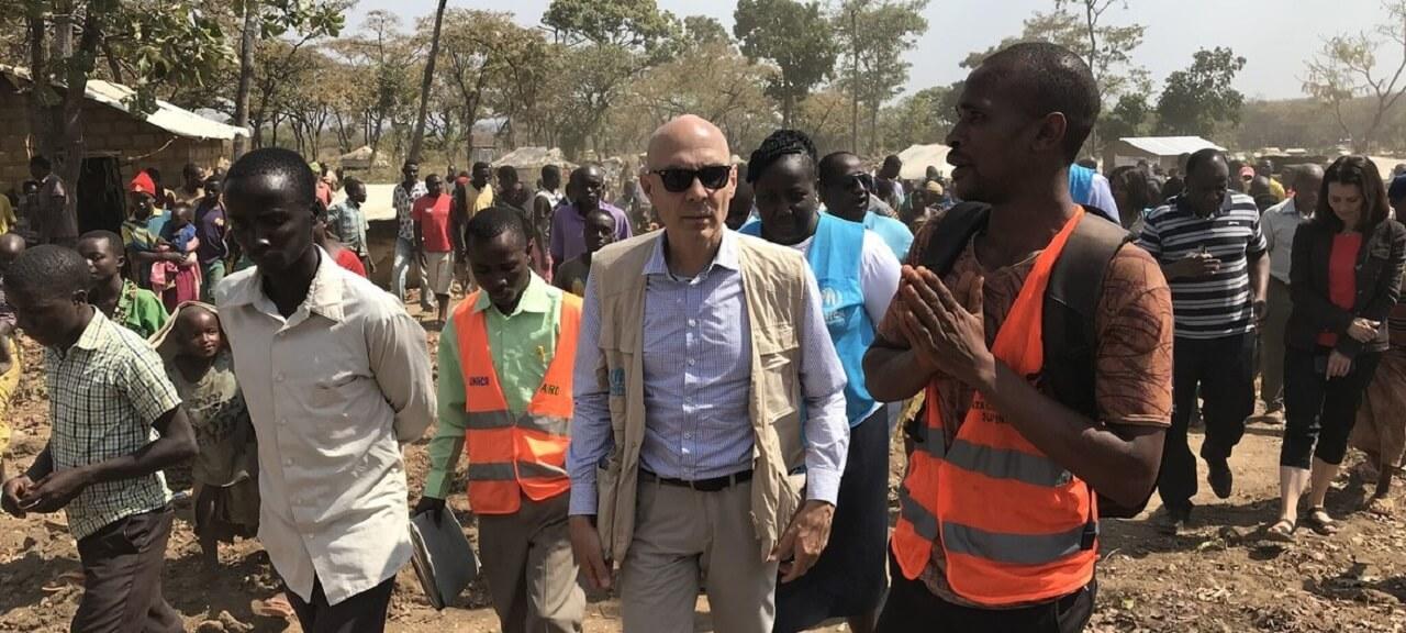 """难民署助理高级专员呼吁就难民问题进行""""更富同情心和人道的对话"""""""