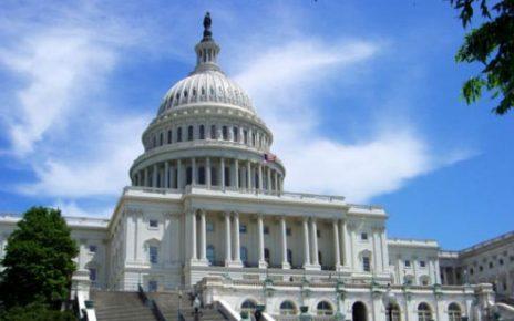 美国提交法案 拟制裁中共在新疆的罪行