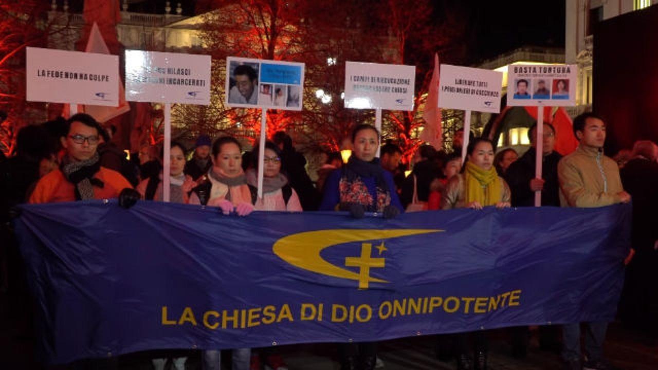 米兰:全能神教会基督徒走上街头揭露中共侵犯人权的恶行