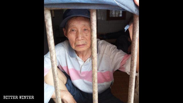 严春香老人今年7月被关在鄂州市精神病院内
