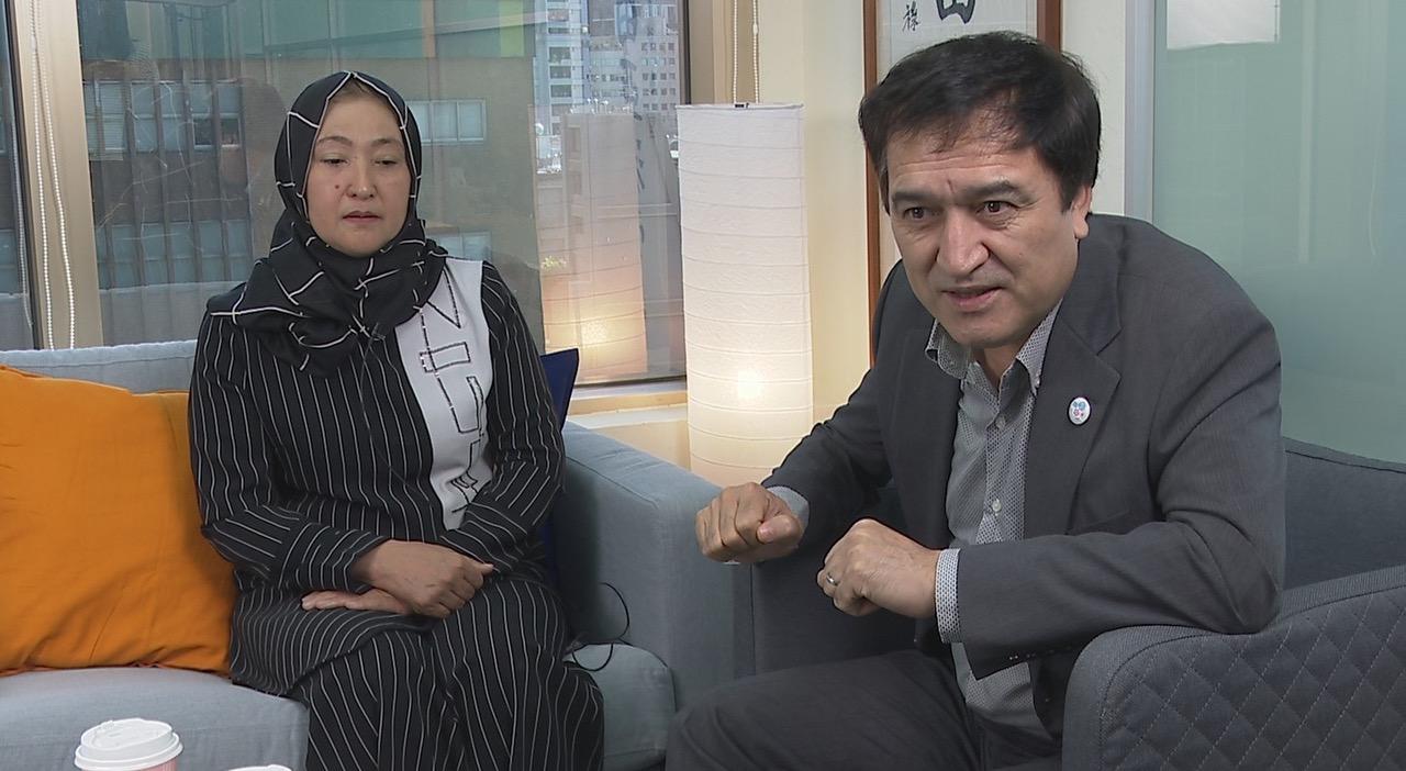 日本维吾尔协会会长担任翻译
