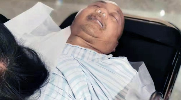 2019年10月26日, 身体一向正常的陈春章在医院里昏迷不醒