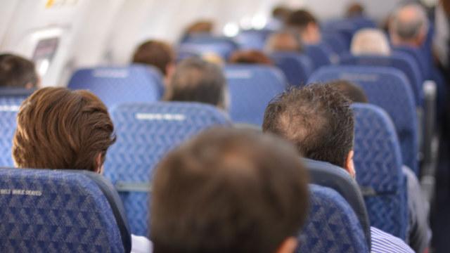 乘坐国际航班(网络图片)