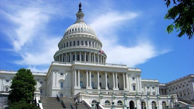 美国国会大楼(Kevin McCoy–CC BY-SA 2.0)