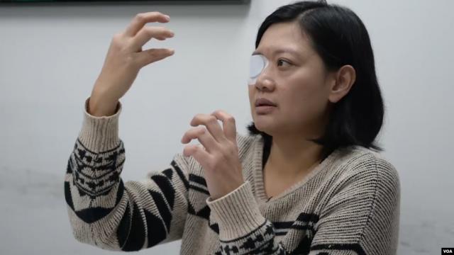 遭遇港警暴力,右眼失明的印尼女记者维比·英达