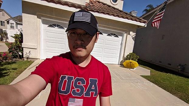 刘力朋一家定居美国。他正与中国数字时代合作,将公开审核员工作日志。